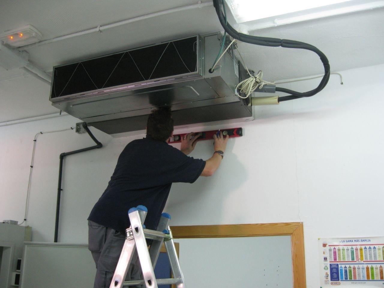 Aire acondicionado3 hacked by skidie khan team cc for Instalacion de aire acondicionado por conductos
